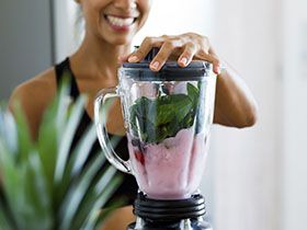 How to Make the Perfect Smoothie with a blender